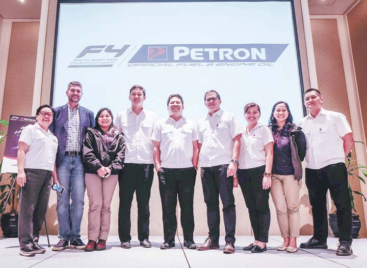 Petron drives 2017 f4sea championship series businessmirror for Motoring technical training institute