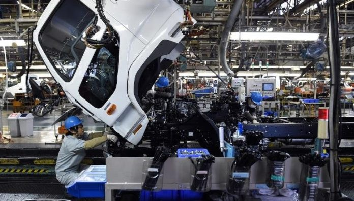 Japan's industrial output rises 2.7% on month in December