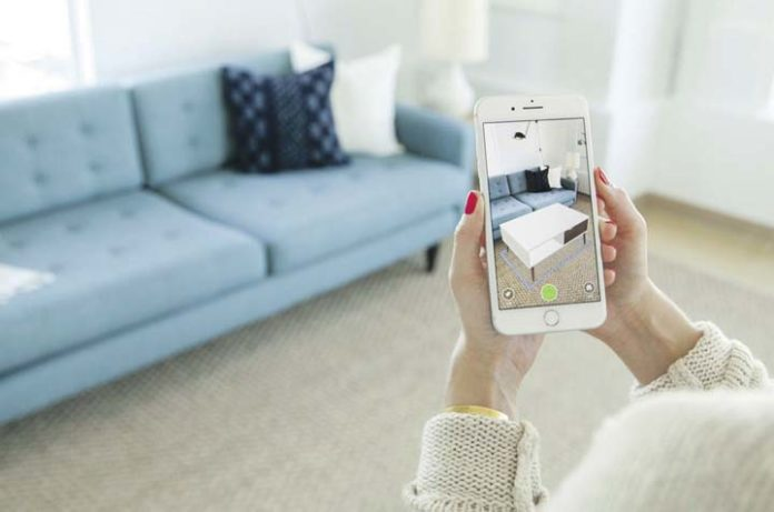 In Photo: Houzz Shows Their View In My Room 3D, An Augmentedreality Tool In  The Houzz App That Lets People Preview Over 1 Million Furniture And Décor  ...