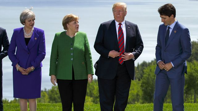 Donald Trump calls for end to Russian expulsion from G7 grouping