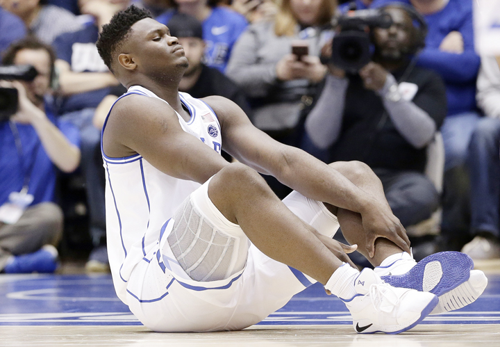 Zion Williamson slips on opening possession, will not return to game