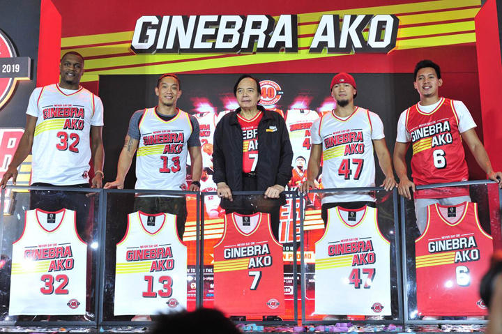 0f69dd1ff 7 Ginebra jersey alongside (from left) Justin Brownlee