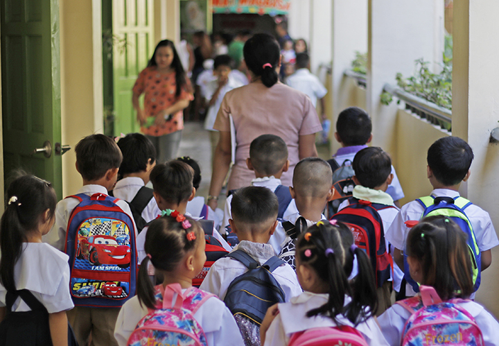 DepEd To Hire 10 000 Teachers 5 000 Others Under 2020