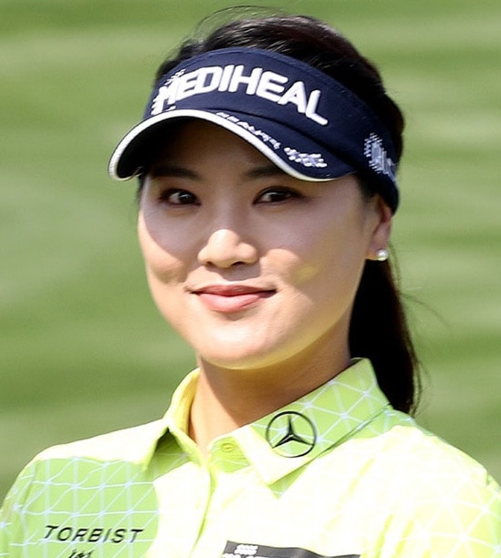 Ryu So-yeon wins on return and donates purse to charity