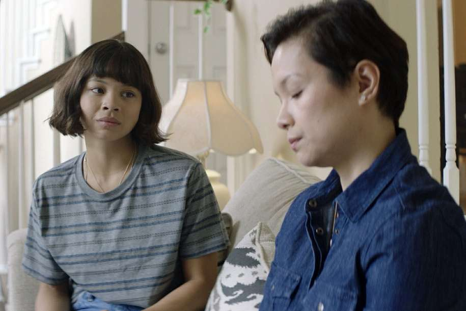 REVIEW   A Filipina singer with heart in 'Yellow Rose'   The Associated  Press